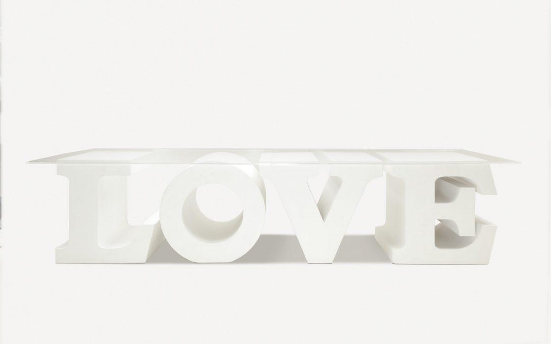 "Tavolo ""LOVE"""