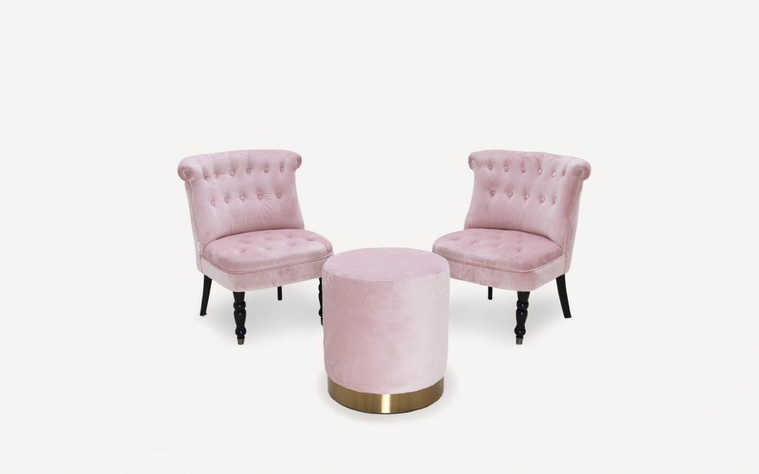 Salottino rosa con pouf
