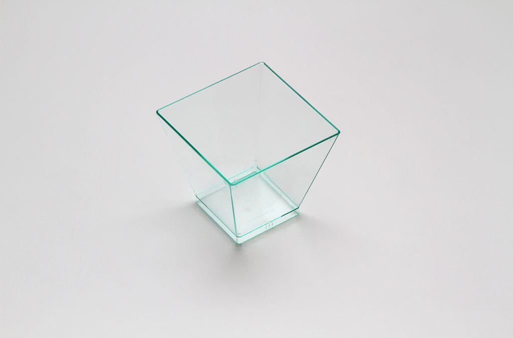 Bicchierino quadrato trasparente colorato